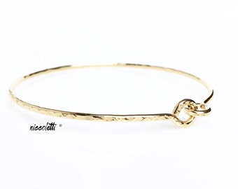Modern Love Knot Bangle Bracelet / 14k Gold Filled or Sterling Silver Infinity Stacking Bangle / Minimalist Friendship Bracelet Mom Gift
