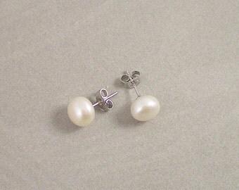 Pearl Earrings, 9 mm Button White Freshwater Pearl Stud Earrings, Single Pearl Earrings, Hypoallergenic Freshwater Pearl