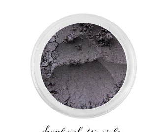 Vintage Goth - Mineral Eyeshadow // Eyeshadow // Mineral Makeup // Black Eyeshadow // Smoky Eye // Makeup Eyeshadow // Charcoal Eye