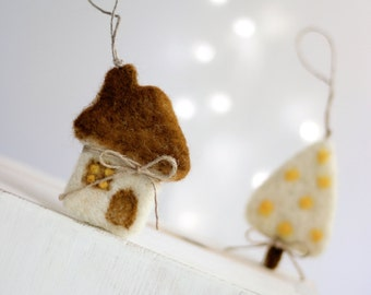 Needle Felt Cottage Christmas Ornaments Set - Little Star, Christmas Tree, Duckling, Cat And Cottage - Ornaments For Christmas Tree