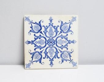 Vintage Ceramic Tile / Trivet, kitchen Tile, fireplace handpainted, delft blue floral swirl motif Height 6 in / 15.2 cm
