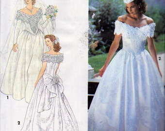 Simplicity 8165, Jessica McClintock Wedding Dress with Train, Scalloped Back, Princess Seam Boned Bodice, Long Short Sleeve, Size 12 to 16