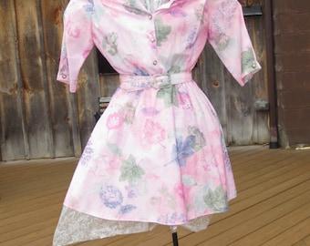 Vintage Simple Shirtwaist Dress in Feminine Pink Floral Print-Sheer, Lightweight Summer Dress Size 8-10 Petite Dress-Pristine Condition