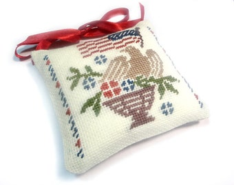 Patriotic decor, Independence day decor, Primitive Americana country decor, July 4th Decor, fourth july, completed cross stitch pillow