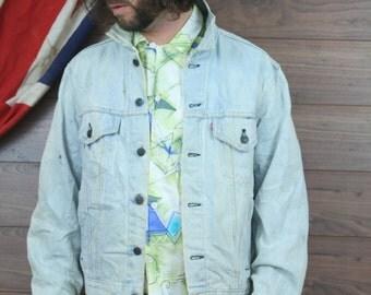 vintage levis denim jacket , large , light blue , (53)