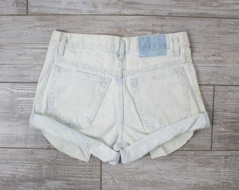 Vintage (Size Medium) Acid Wash High Waisted Denim Shorts / High Waisted Shorts 70