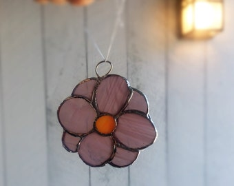 Stained Glass Daisy Ornament/3.5x3 Inch Suncatcher Comes Ready to Hang/Flower Decoration