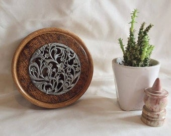 wood burned pyrography metal insert pot pouri holder with decorated horseshoes