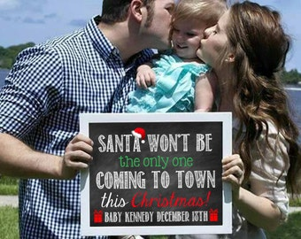 Christmas Pregnancy Announcement // Christmas Pregnancy Reveal // Santa Coming To Town // Pregnancy Announcement // Pregnancy Reveal