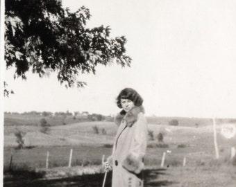 Vintage Photo ~ Flapper Gal ~ Fur Coat