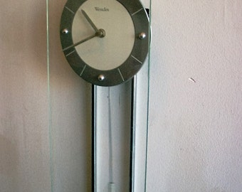 Westclox Contemporary Glass wall clock with Quart movement