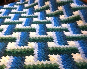 Hand Quilted King Size quilt Weaver Fever design