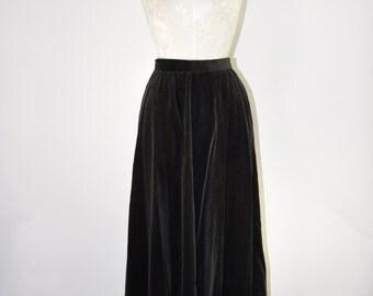 70s black velvet skirt / 1970s plush midi skirt / vintage bohemian skirt