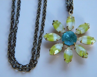 Vintage Glass Daisy Pendant Necklace Lime Givre and Aqua Daisy Spring Daisy Botanical Flower Necklace