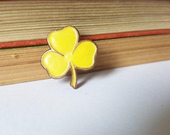 Vintage Girl Guides yellow enamel pin - guides badge, scouting, yellow badge, yellow pin, yellow brooch, enamel pins, yellow jewelry