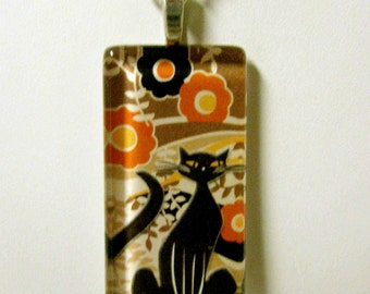 Trendy cat in black, brown and orange pendant and chain - CGP02-088