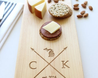 Personalized Cheese Board, Custom Name, State Cutting Board, Christmas Gift, Wedding, Anniversary, Closing Gift, Gift For Her, Husband Gift