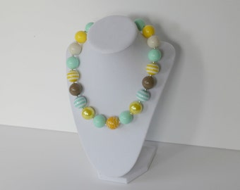 Girls Chunky Necklace - Chunky Necklace Kids - Bubblegum Bead Necklace - Chunky Necklace - Blue Grey Yellow White - Back to School