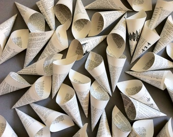 Wedding Cones / 25 Paper Cones / Vintage Dictionary Petal Toss Cones / Literary Wedding / Petal Cones / Vintage Wedding / Small Toss Cones