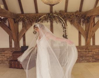 Juliet cap veil, lace veil, drop veil, blusher, ivory, Soft English Tulle, vintage, 1920s 30s, boho, fingertip, waltz, chapel, cathedral