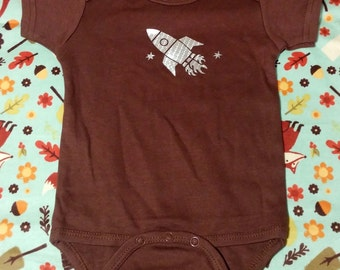 READY TO SHIP Spaceship Onesie, custom baby onesie, baby onesie, rocket ship outfit, baby shower gift, baby boy, unique baby outfit