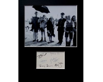 MONTY PYTHON AUTOGRAPH photo display John Cleese Eric Idle Michael Palin Terry Gilliam Terry Jones Graham Chapman