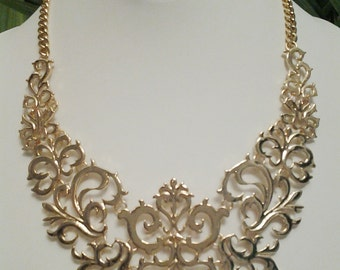 Gold Chain Bib Necklace / Gold statement Necklace.