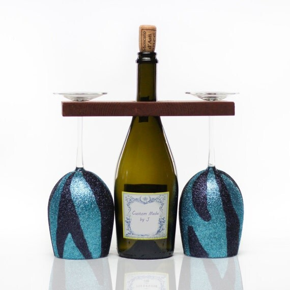 Custom wine glasses with portable wine rack - Vinogo portable wine glass ...