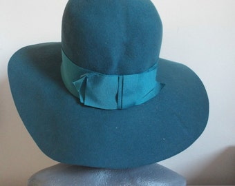 VINTAGE Hat Ladies 1950's Teal/ Blue  Wool Large Floppy Brim Hat wide banding and bow back