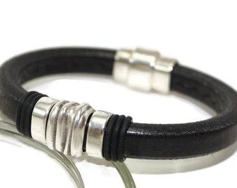 Womens leather bracelet bracelet bangle womens bracelet licorice leather bracelet black leather bracelet fancy snap clip clasp LLB-10-01