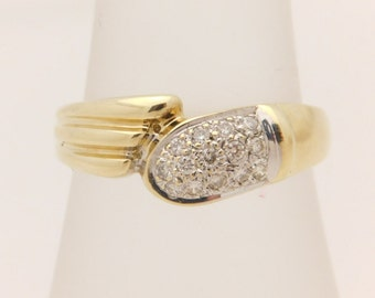 0.30 Carat T.W. Ladies Round Cut Diamond Band 10K