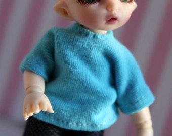 PukiPuki tee shirt in bright blue