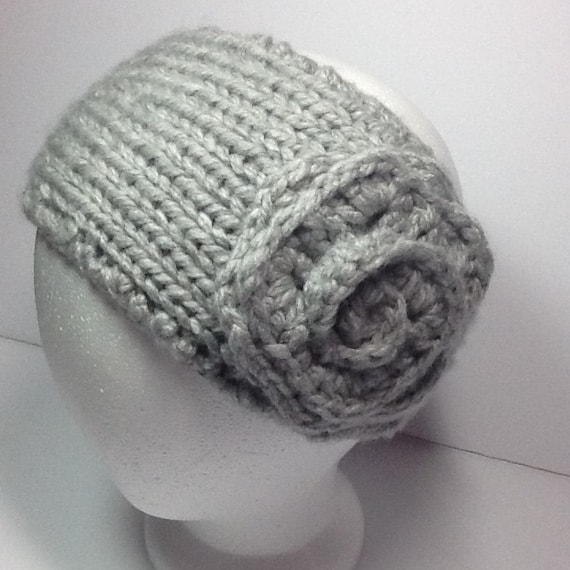 Chunky Knitted headband with crochet flower in silver grey