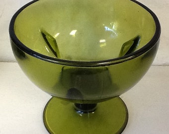 Green decorative glassware goblet