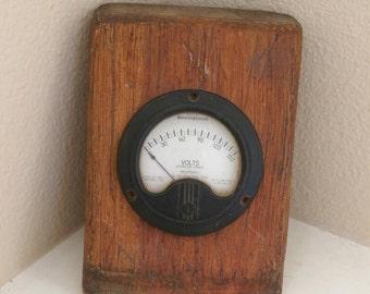 Vintage Westinghouse Volts Alternating Current Gauge Type NC-35