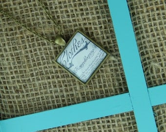 Good Housekeeping square glass pendant antique bronze necklace