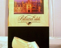 """Just The Right Shoe, Miniature Shoes, Fantasy Shoes, Raine Shoe Collection, Just The Right Shoe """"Sweet Elegance"""" ."""