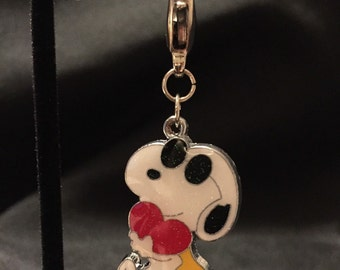 Snoopy with red heart Charm - Zipper Pull - Peanuts (Item 316)