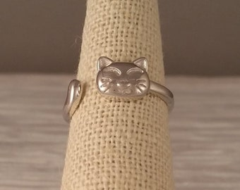 Quirky Cat Ring - Sterling Silver