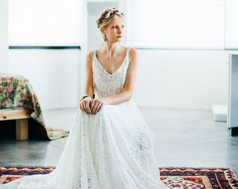 Bohemian lace wedding dress Rustic style - PENELOPE GOWN