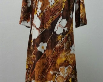 Vintage 1970s Short Sleeve Polyester Hawaiian Long Dress by Hawaii Nei, Size 38 Bust, #57785