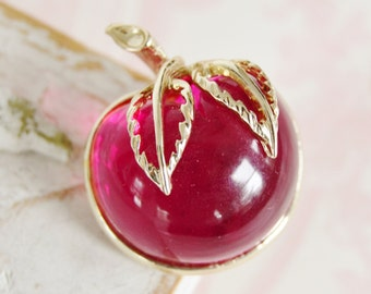 Vintage 1960s Lucite Apple Brooch by Sarah Coventry