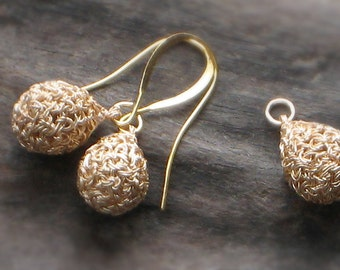 Gold Wire Crochet EARRINGS & PENDANT SET Plated Crocheted Wire—Mini Teardrops [Boucles d'oreille et Collier—Pendientes y Colgante ganchillo]