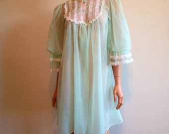 Vintage 1960s Mint Green Slumber Party Pajama Party Negligee Night Gown Lace Nighty Embroidered Peignoir Robe Size M