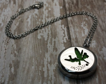 Essential Oil Diffuser Necklace- Aromatherapy Necklace- Stainless Steel Aromatherapy Necklace- Fairy Necklace- Pixie Necklace 30mm