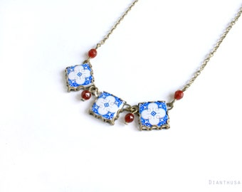 Assunçao. VIntage patterned tile necklace. Necklace with art nouveau ceramic tile pattern. Blue, white and red