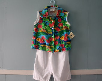 Vintage Tropical Top and Pants Set / New Old Stock Resort Summer Outfit / Floral print top and white pants / Size 6