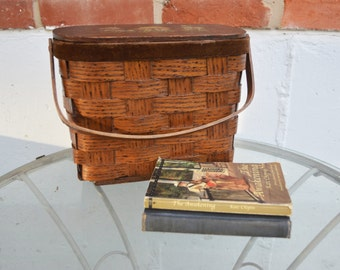Vintage/Antique Carrying Basket/Child's Lunch, Picnic Basket/Sewing Basket