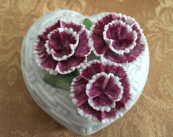 Heart Shaped Floral Trinket Box, Porcelain Heart Box, White Basket Weave Box, Capodimonte Style Floral Lid, Raised Floral Design, Signed