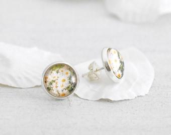 Daisy Stud Earrings - Silver Stud Earrings - Bridesmaid Jewelry - Wedding Studs - Spring Wedding - Flower Earrings - Round Stud Earrings